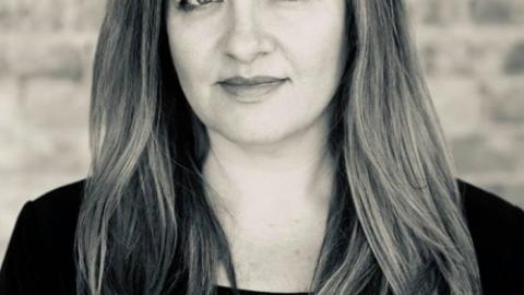 """מחיאות כפיים ל – Shiri Amoray אדריכלית במנהטן """"יזמית השבוע"""" שלנו בשבוע הקרוב, שתשתף…"""