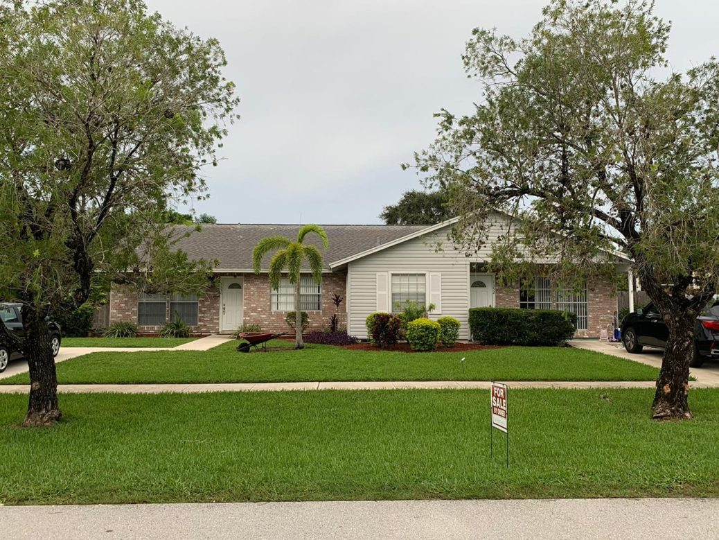 Investor Opportunity!!! Beautiful Duplex in Wellington, FL. Contact me for more ...