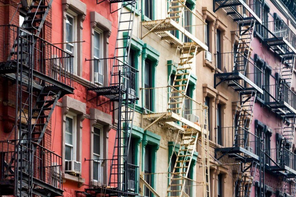 """由于新的租房法,房东不能要求""""上个月的租金""""加上保证金"""