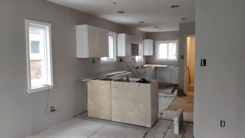 Eines der herausfordernden Projekte in Richtung Fertigstellung. Das Haus musste renoviert werden. Volle Reha wie ein Herz ...
