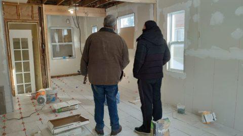 עומדים להתחיל שיפוץ לנכס.   גובה השיפוץ הוא 70k$  הקבלן רוצה 25% מראש, משמע 20k$...