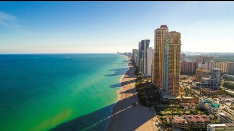 Beautiful morning in Sunny Isles. The shows always continue at the best of Sunny I ...