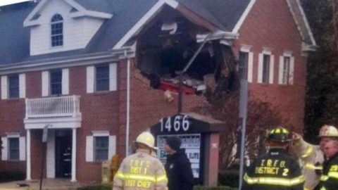 How did he get to the second floor ?? Fatal accident in New Jersey: Porsche driver lost control, ...