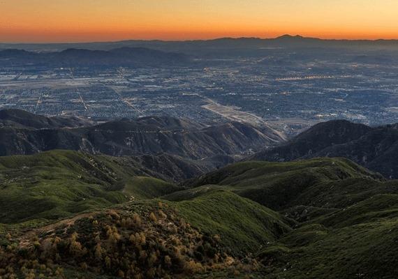 """סן ברנרדינו היא העיר המסוכנת ביותר בקליפורניה: סיינט לואיס בארה""""ב כולה! מחק..."""