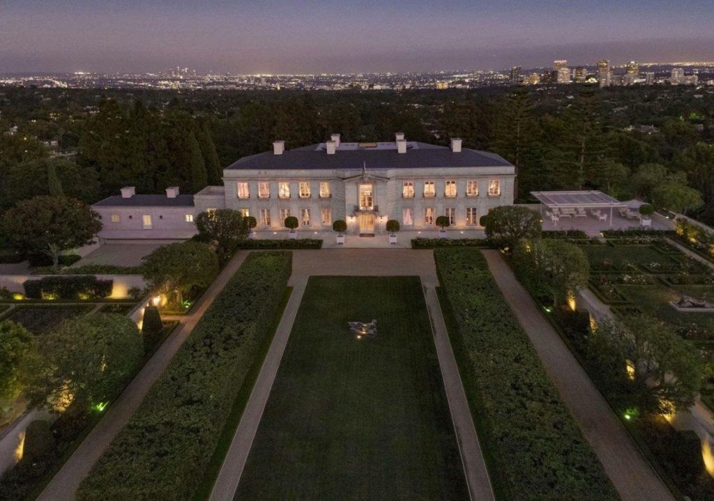 """150 מיליון דולר בבל אייר: שיא כל הזמנים למכירת בית בארה""""ב! """"נראה שהקונ..."""