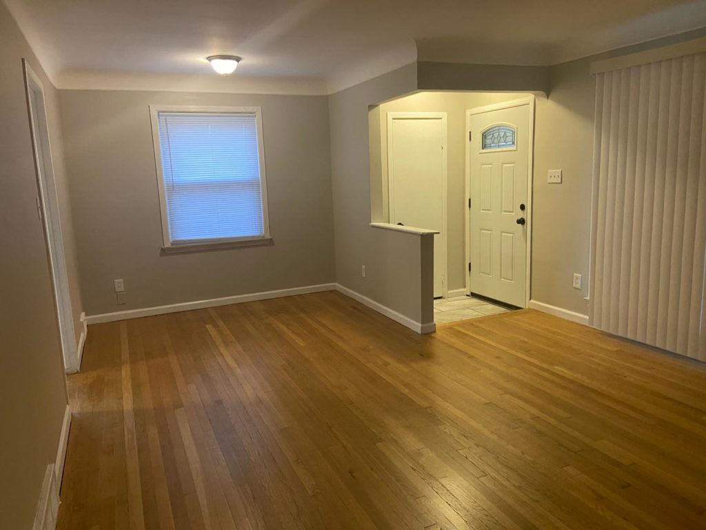 Sharing you a house that has been rented in recent days after a massive renovation. The house was purchased in Southeast Michigan ...