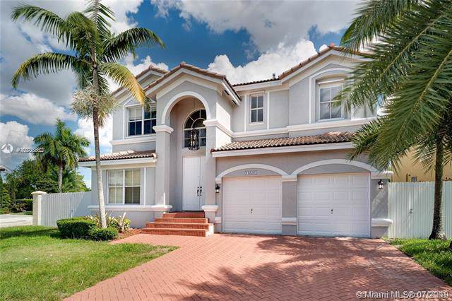 14826 SW 25th Ln, Miami, FL 33185 (MLS # A10708662) :: Albert Garcia Team